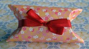 pillow box photo